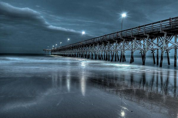 Back at the 2nd Ave Pier in Myrtle Beach. The beach at night is one of my favorite places. It so peaceful and quiet, quite a difference from the action and excitement of the beach during the day.