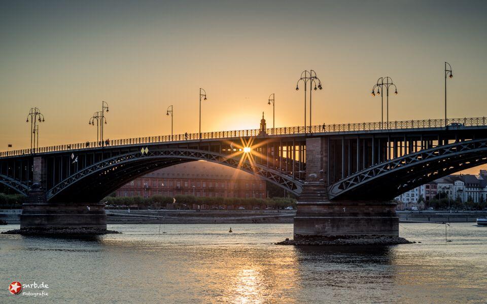 Sonnenuntergang Theodor Heuss Brucke Mit Bildern Sonnenaufgang Sonnenuntergang Sonne