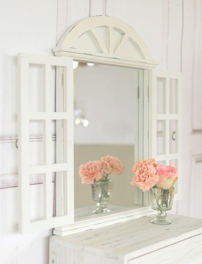 landhaus wandspiegel spiegel mit fensterl den in shabbychic wei antik look ebay mirror. Black Bedroom Furniture Sets. Home Design Ideas