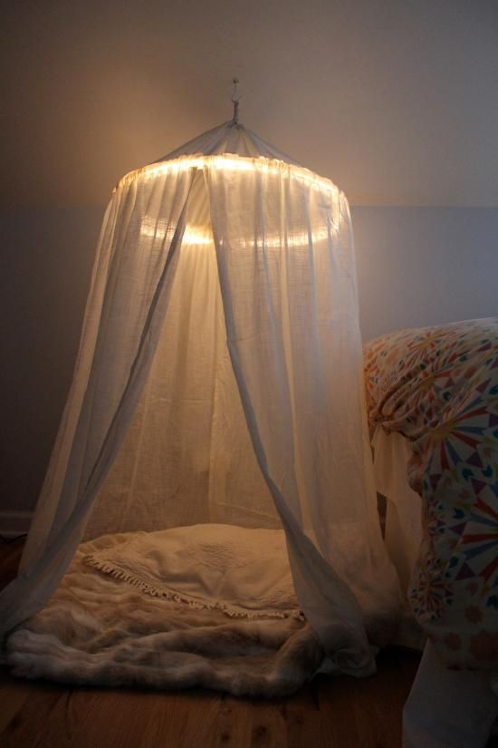 Diy Canopy diy bedroom furniture :diy canopy bed : diy play tent (with lights