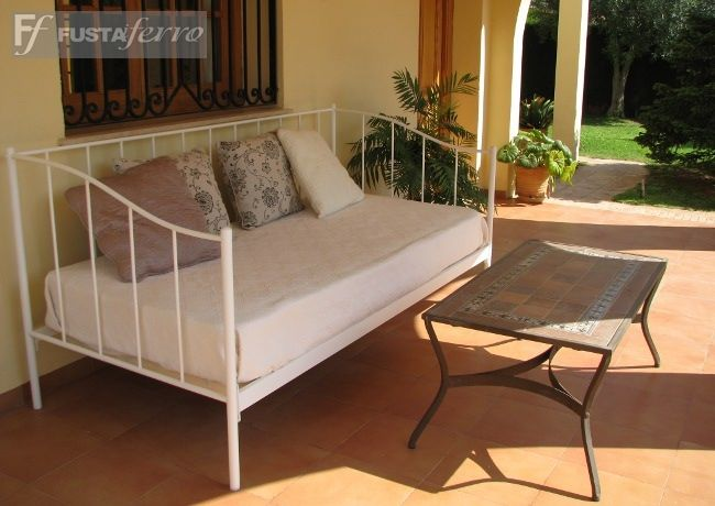 terraza cama div n de forja modelo mallorca ibiza fusta i ferro muebles. Black Bedroom Furniture Sets. Home Design Ideas