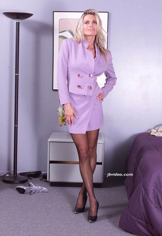 Milf Jäger Business Lady