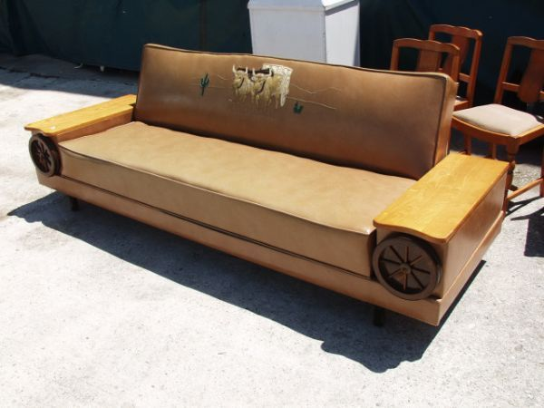 92 Vintage Western Wagon Wheel Couch Bed Lot 92 Western Furniture Furniture Couch