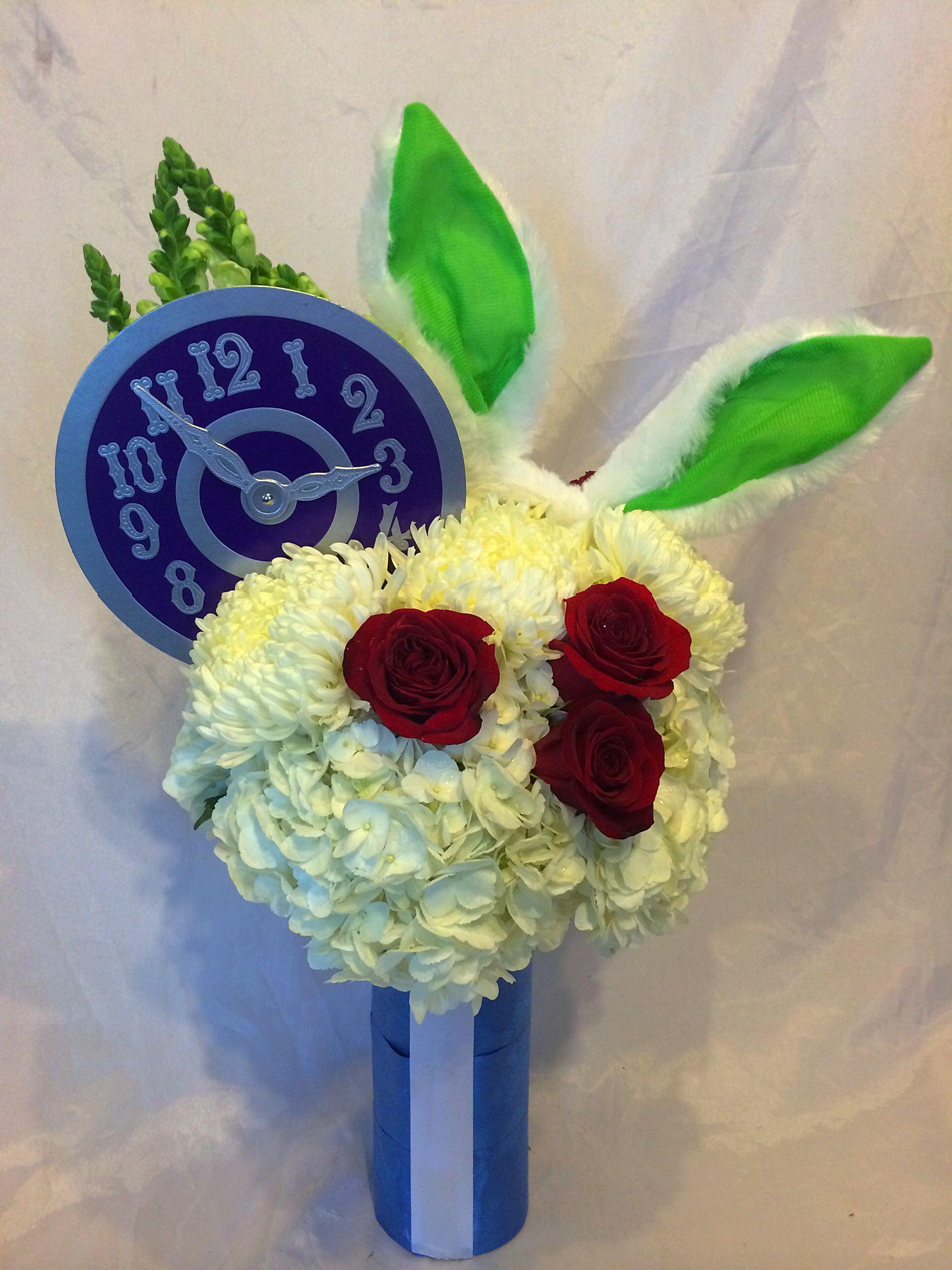 White rabbit centerpiece for alice in wonderland sweet