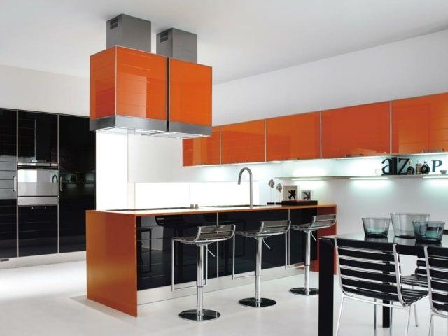 Elegant orange K chenschr nke Abzugshauben schwarze Einbauger te