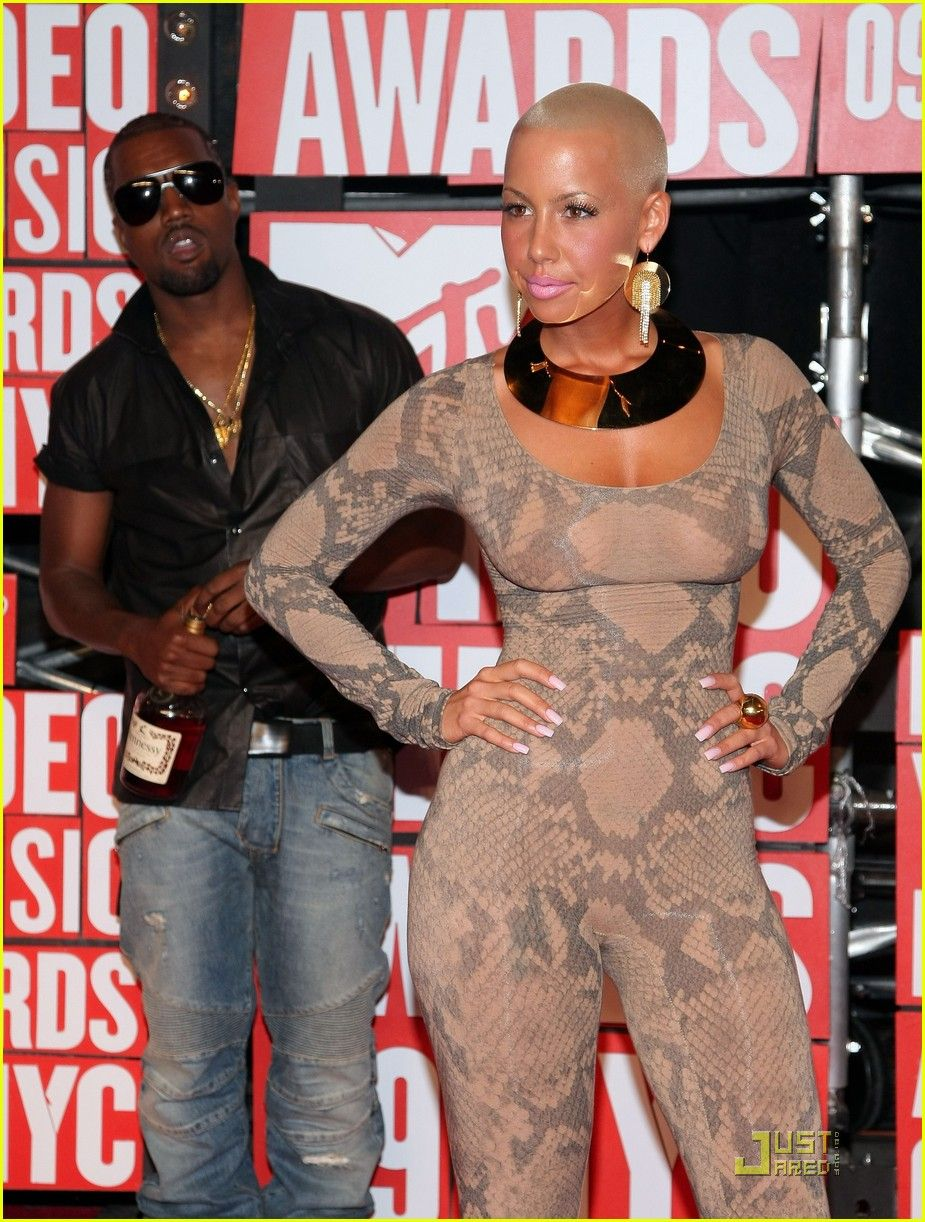 Amber Rose And Kanye West Arrives At The 2009 Mtv Video Music Awards At Radio City Music Hall On September 13 2009 In New York City