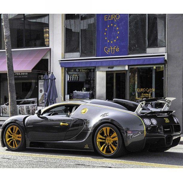 Custom Bugatti Veyron Super Rear View