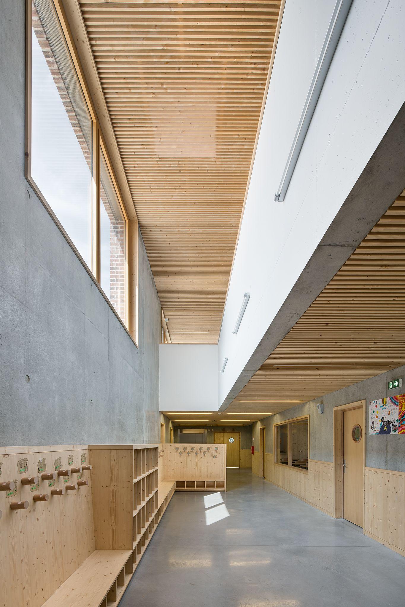 Ecole primaire pontailler sur sa ne s p a c e s i - Interior design for school buildings ...