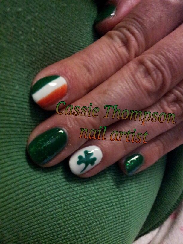 St. Patrick\'s Day nail art - Irish flag, green with glitter fade ...