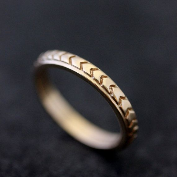 Chevron Wedding Band in 14k Yellow Gold Triangle Pattern in