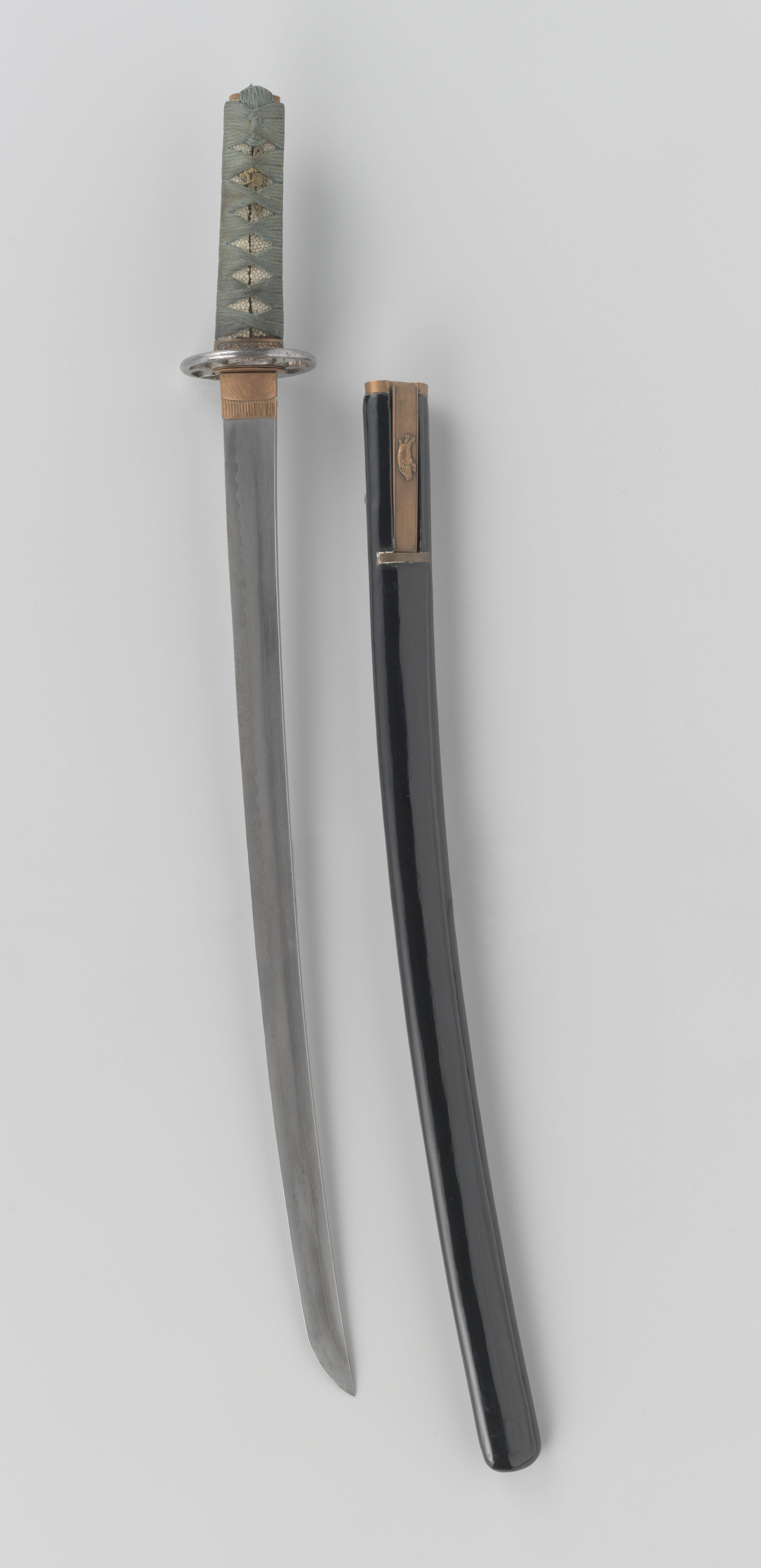 One-handed Vietnamese sword with a Japanese-style blade, similar to ...