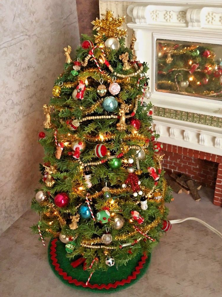 Vintage Miniature Dollhouse Lighted Christmas Tree Amazing Glass Ornaments  9