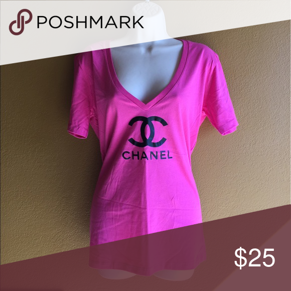 CHANEL V NECK T SHIRT 👚 IN SIZE 2XL COTTON NEW! Chanel logo cotton short sleeve tee shirt 👚 in size 2XL NEW! ❤️👚💫✨💫👚❤️ CHANEL Tops Tees - Short Sleeve