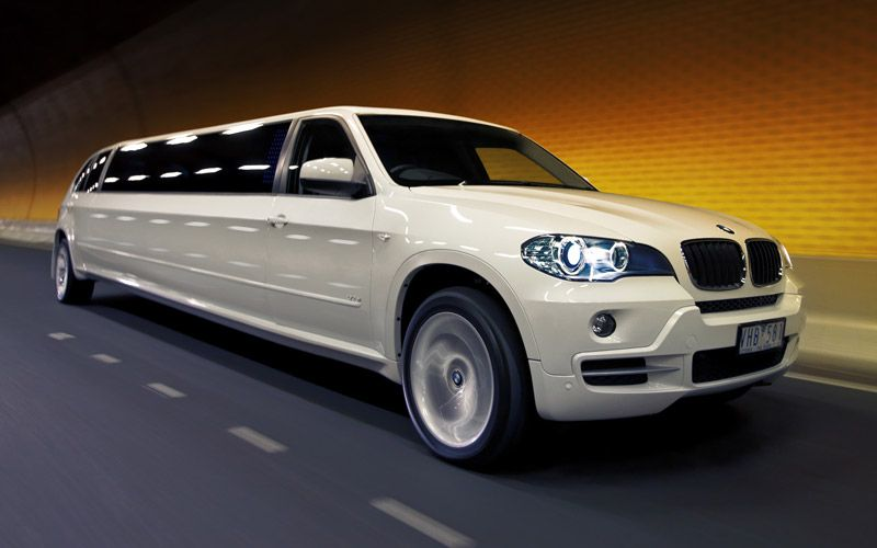 Luxury Cars For Prom 50 Best Limo Wedding Transportation Wedding Limo Service
