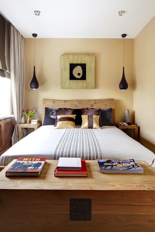 Kleines Schlafzimmer Holz Bett Kopfteil Nachttische Pendelleuchten