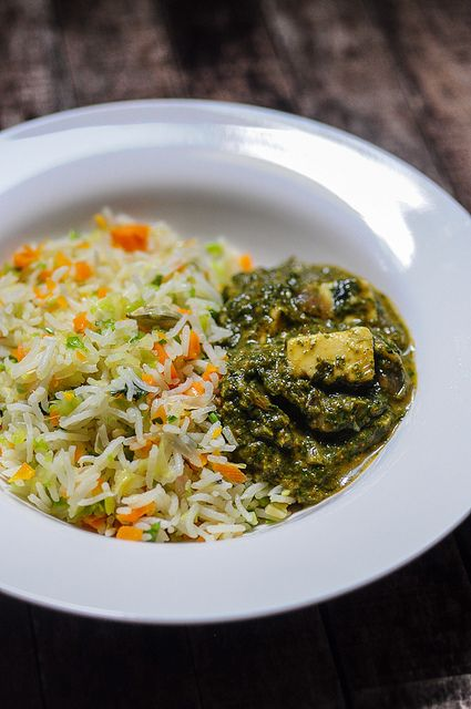 Palak Paneer Recipe-Spinach Paneer Recipe   Edible Garden.  Don't ask me why this recipe speaks to me. But someday soon when I want to be adventurous, I want to try this.