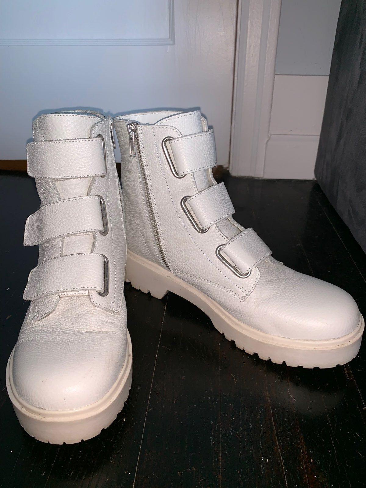 steve madden boots white