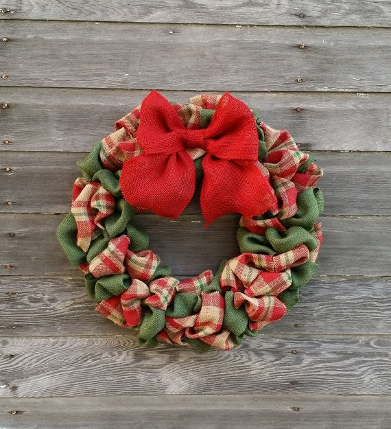 This Christmas wreath is the perfect rustic burlap wreath for this