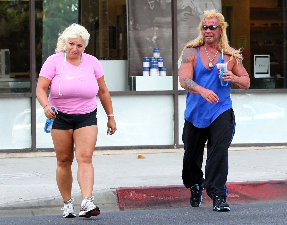 Beth Chapman Photos Photos Dog And Beth Chapman Go Tanning