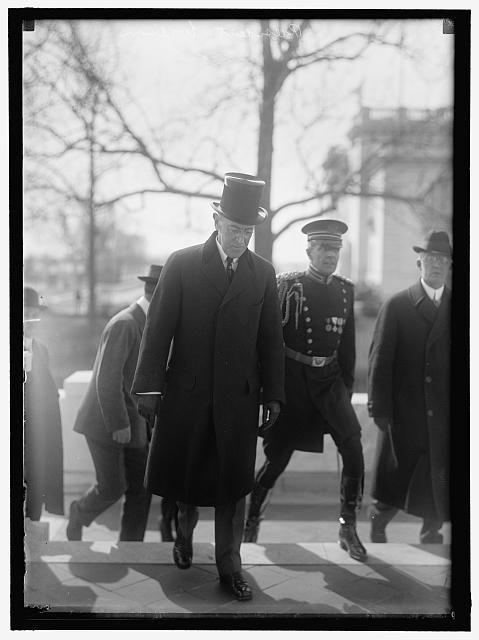 #OTD September 30, 1918, President Wilson spoke to Congress in support of the 19th Amendment. More: http://bit.ly/1BYrDwt