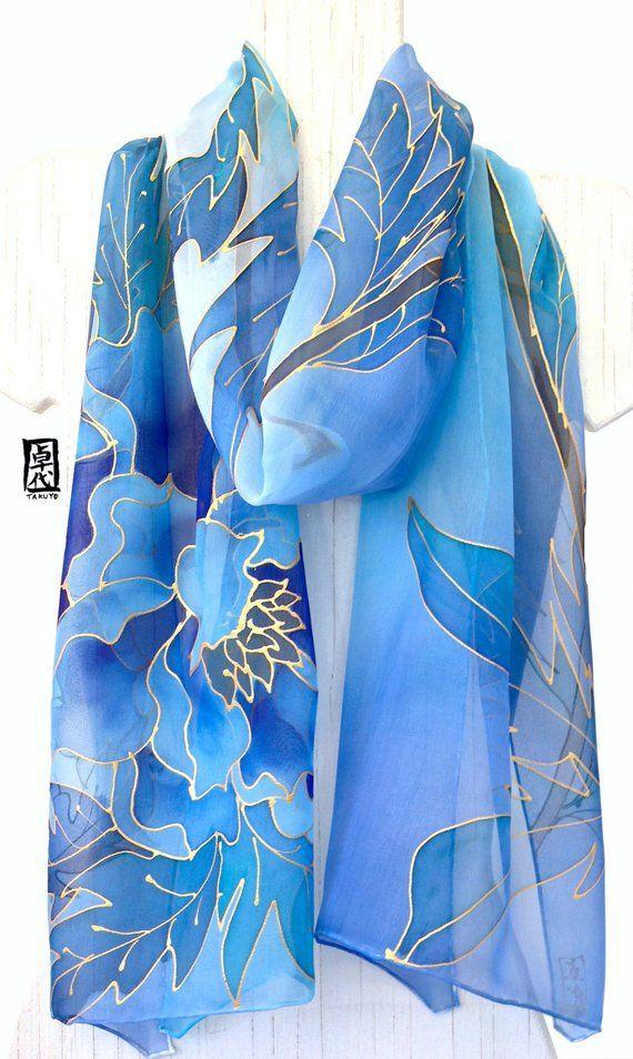 Grande sciarpa di seta dipinta a mano, tinto a mano Sciarpa di seta blu, giapponese Blu Peony Scarf, Chiffon Scarf, Silk Takuyo, 13x69 pollici, Fatto su ordinazione #bluepeonies