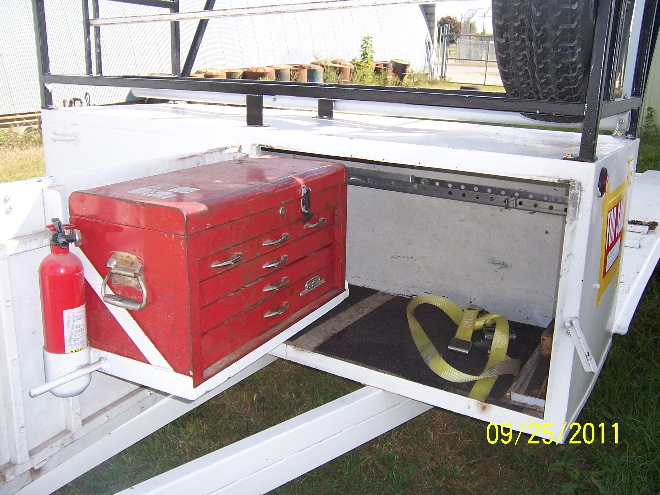 Race Car Trailer In Dcbaugh81 S Garage Sale Jefferson Ia Car Trailer Garage Sales Trailer