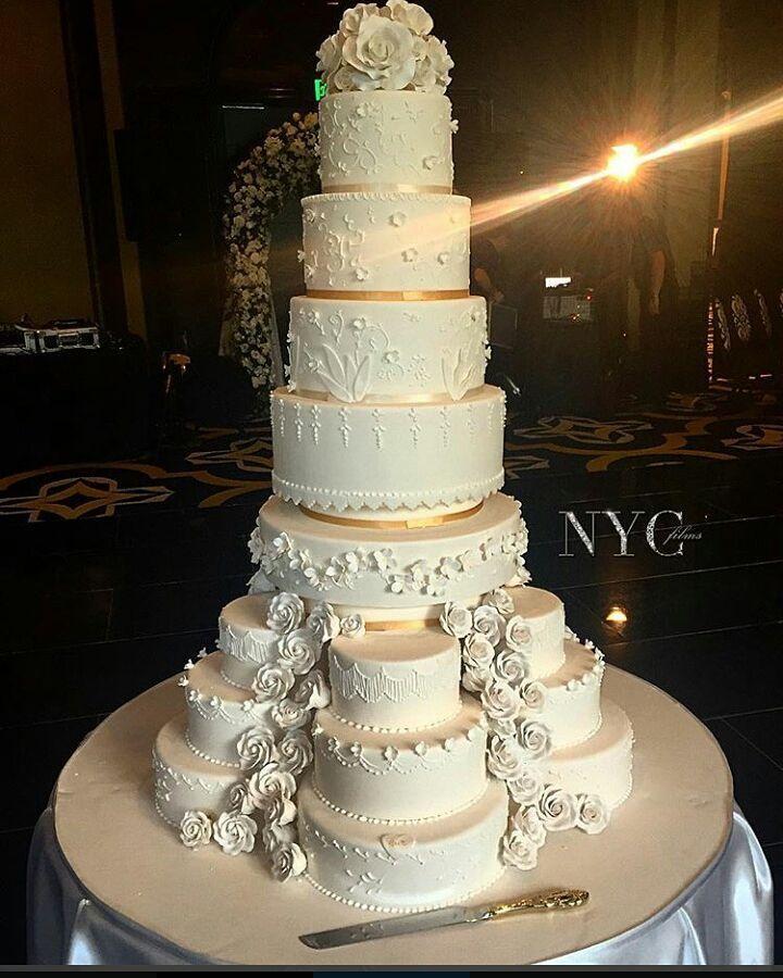 YOOOOZZZZAAA!! We Love This Beautiful Wedding Cake Photo