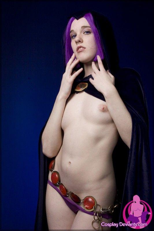 girl nude cosplay raven