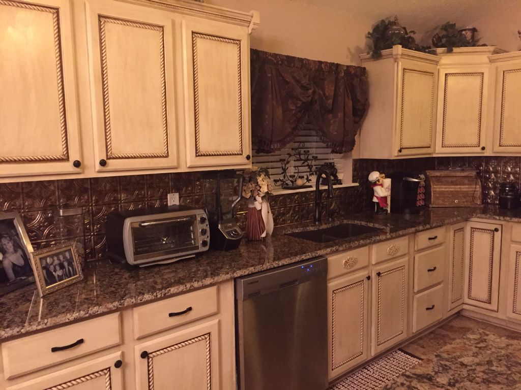 Used Kitchen Cabinet Doors Bar Stools Counter Height We Rope Trim On The Back Splash Panels