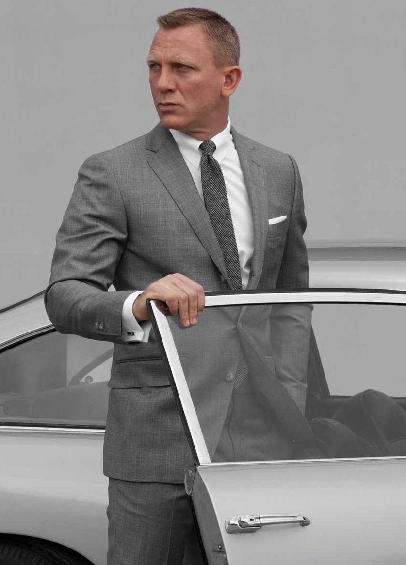 Bond's Tom Ford tab collar shirt   More Daniel craig ...