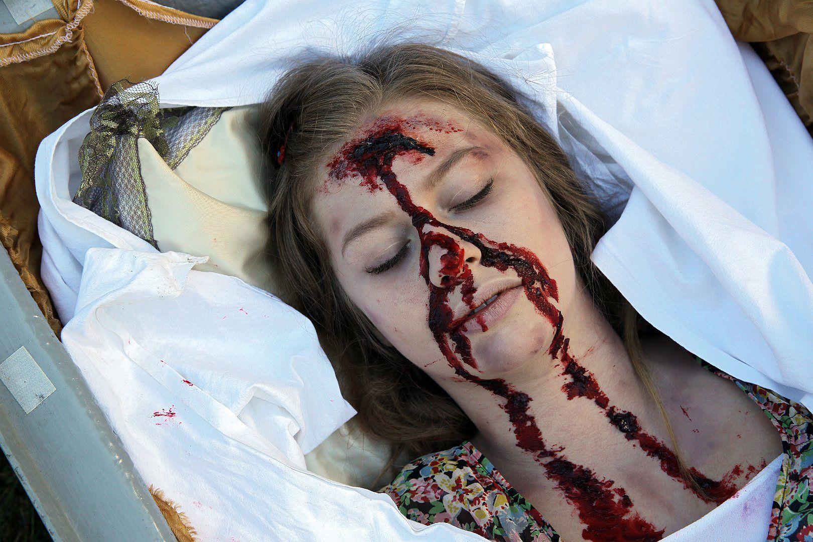 >Pregau - Kein Weg zurück< Rosa`s dead body after rescue
