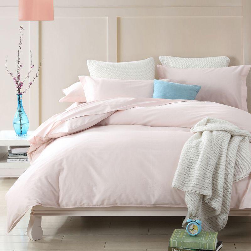 les 25 meilleures id es de la cat gorie couvre lit satin sur pinterest oreiller de couette. Black Bedroom Furniture Sets. Home Design Ideas