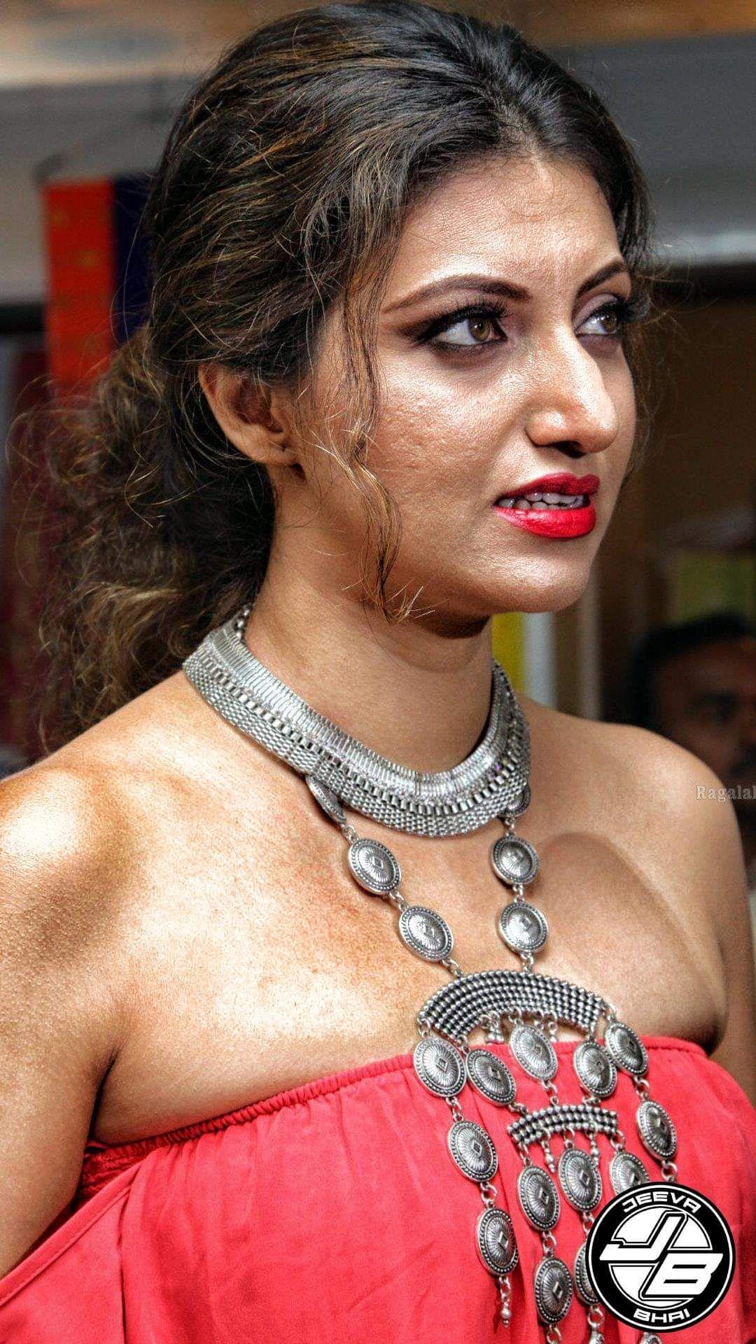 Sonam Kapoor Hot Stills In White Saree | Blouse designs