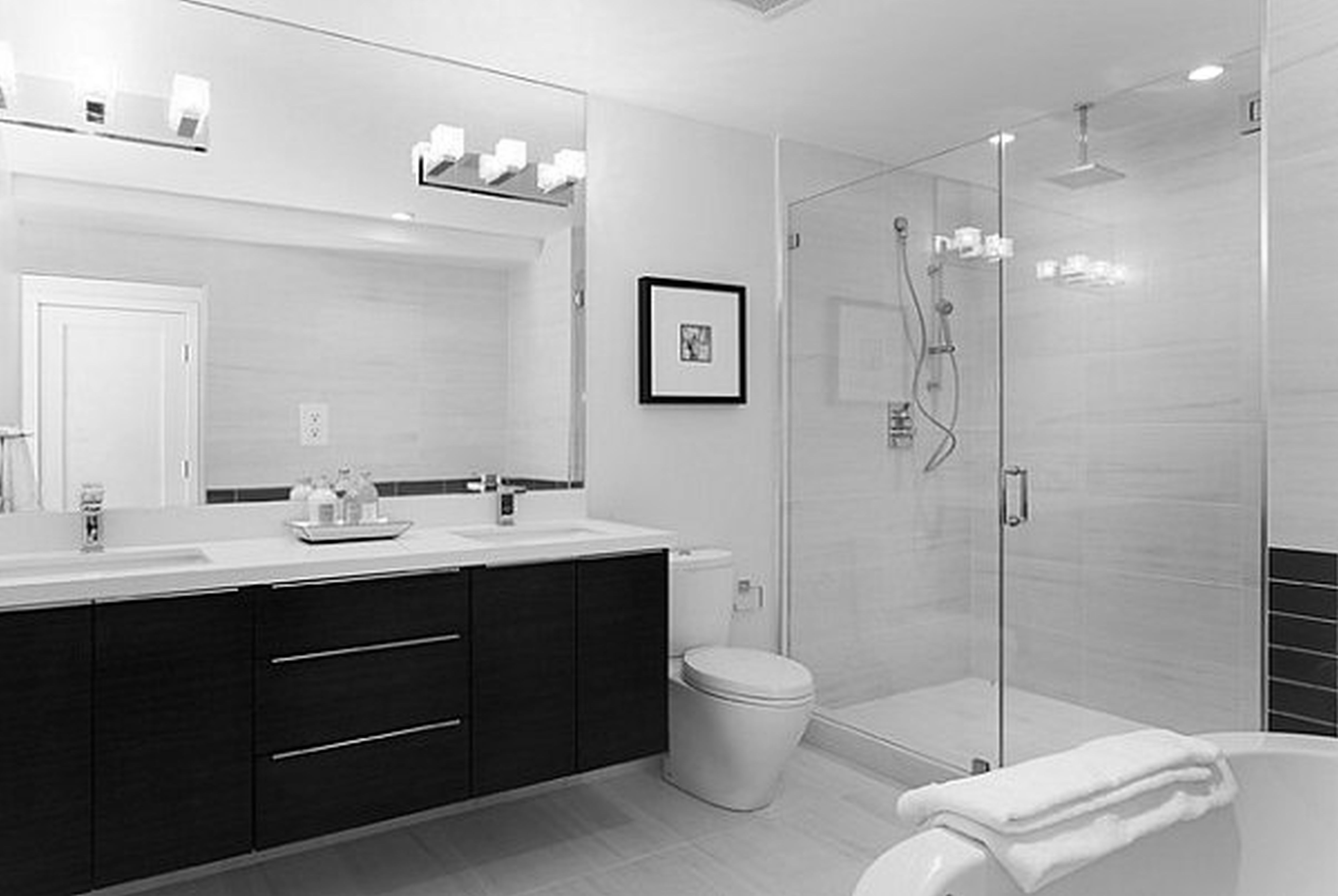 Light tile with dark vanity? Or dark tile with light vanity? | お ...