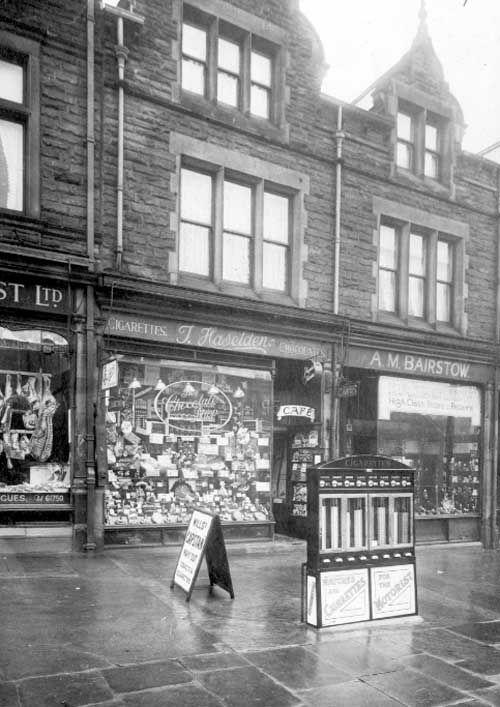 A Photographic Archive Of Leeds Display Leeds Castle Leeds City Leeds