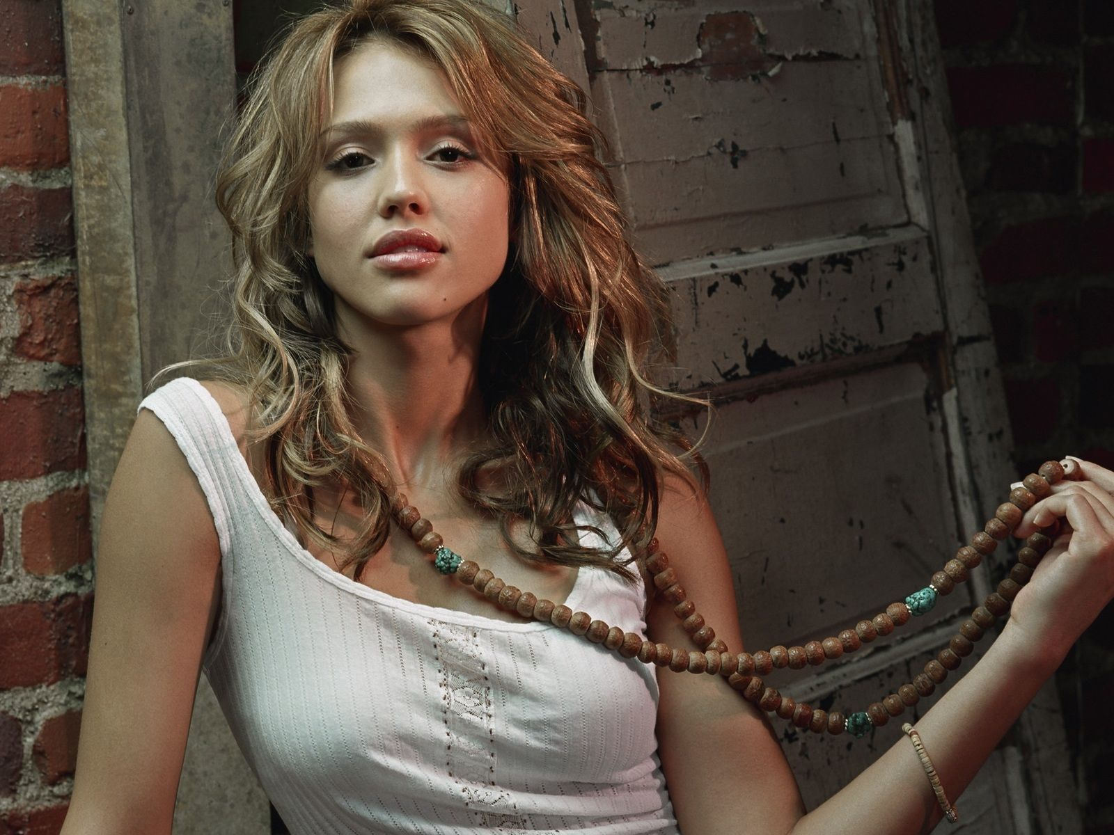 View Of Beautiful Jessica Alba With Beads Wallpaper Nice