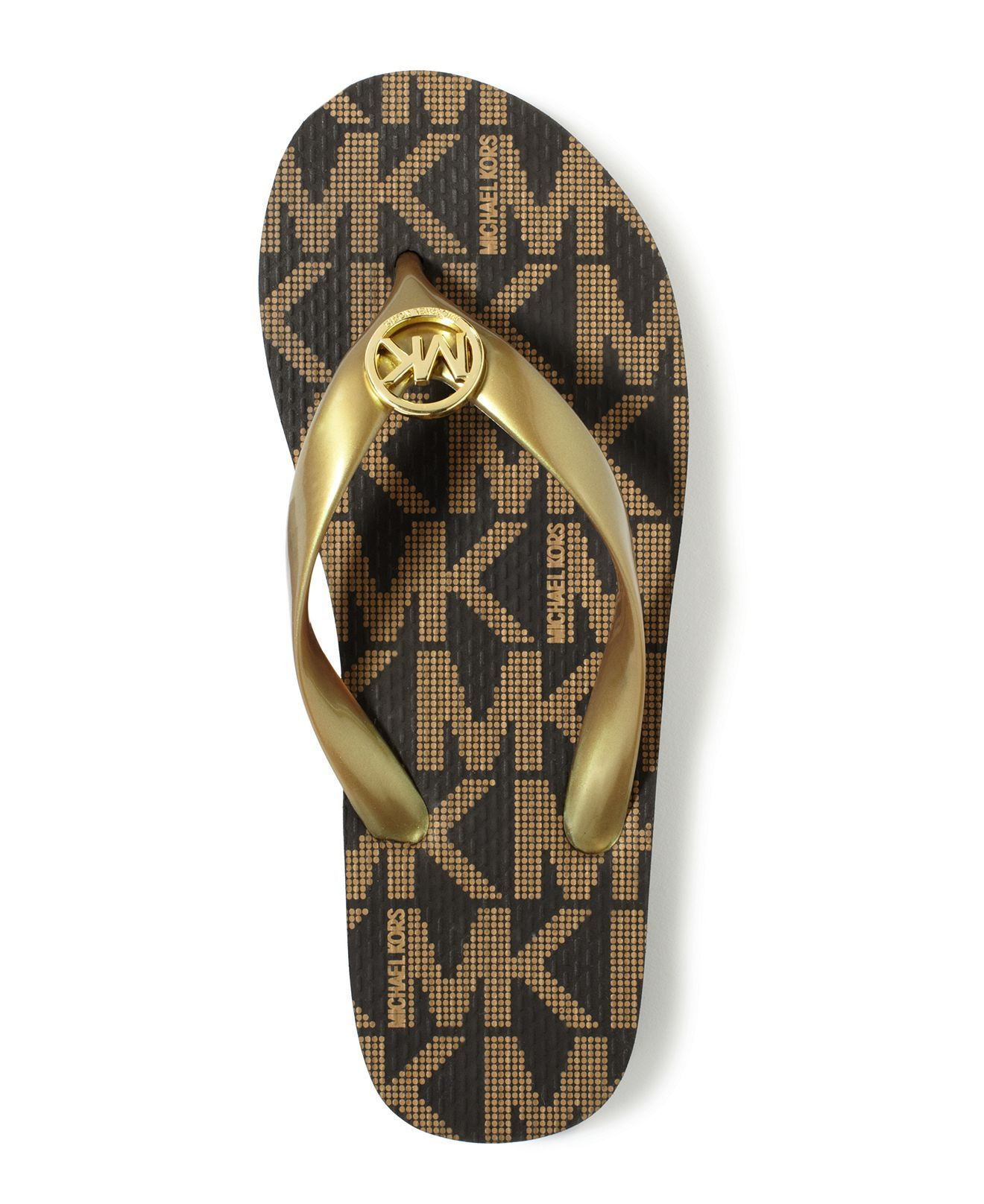 """b1067f69093e5 """"I m pinning this to participate in the Dillard s How I Wear My Kors  Sweepstakes. I could possibly win a Michael Kors handbag valued at  398"""