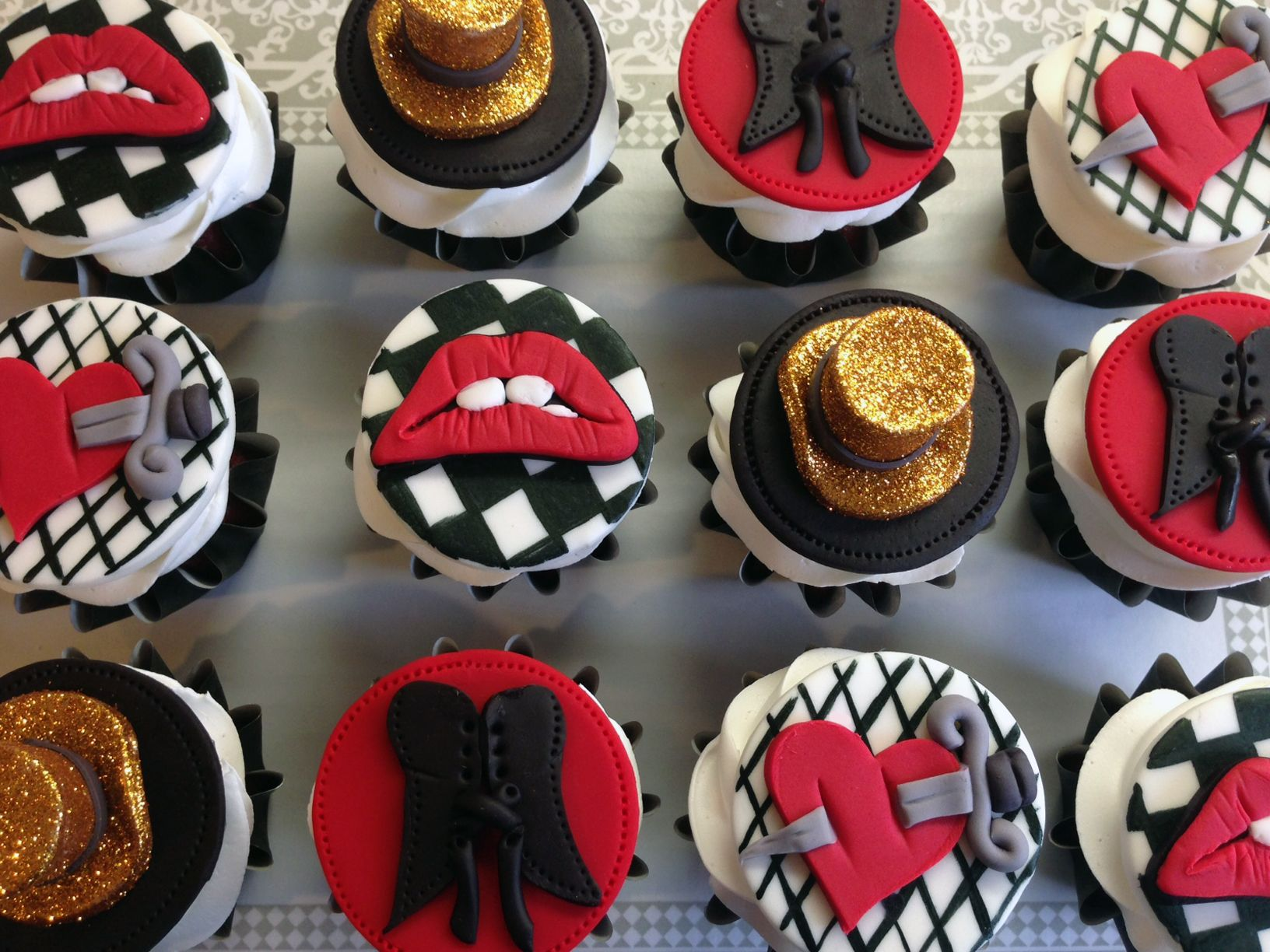 Rocky Horror Picture Show Cupcakes by www.allthatfrost.com