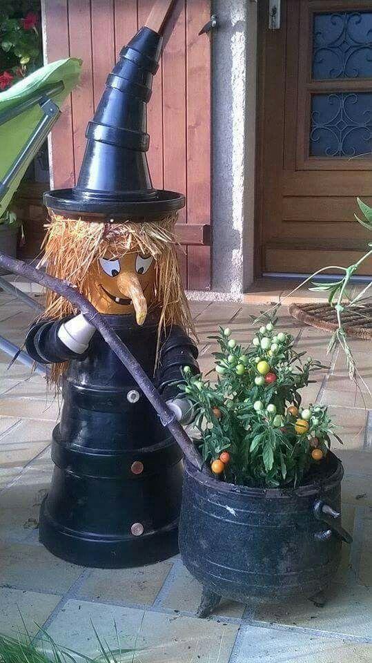 Pin Von Kraemerpetra Auf Halloween Bemalte Topfe Topfblumen Kurbis Dekorieren