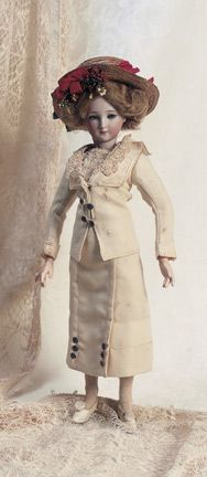 Fa'vours in Candlebeam Rooms: 13 German Bisque Fashion Lady,1469,by Simon and Halbig #dollvictoriandressstyles