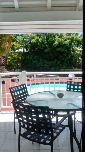 Terrasse sur Piscine des gîtes à vendre sur lu0027île de Saint Martin