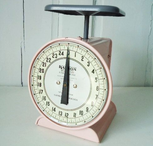 I WANT THIS TOO LOL Retro 1950s Original Pink Hanson Kitchen Scale By  TheBountifulBird, $128.00