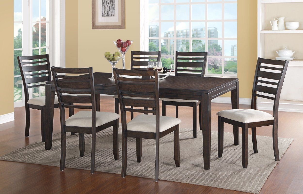 Mila extendable dining table