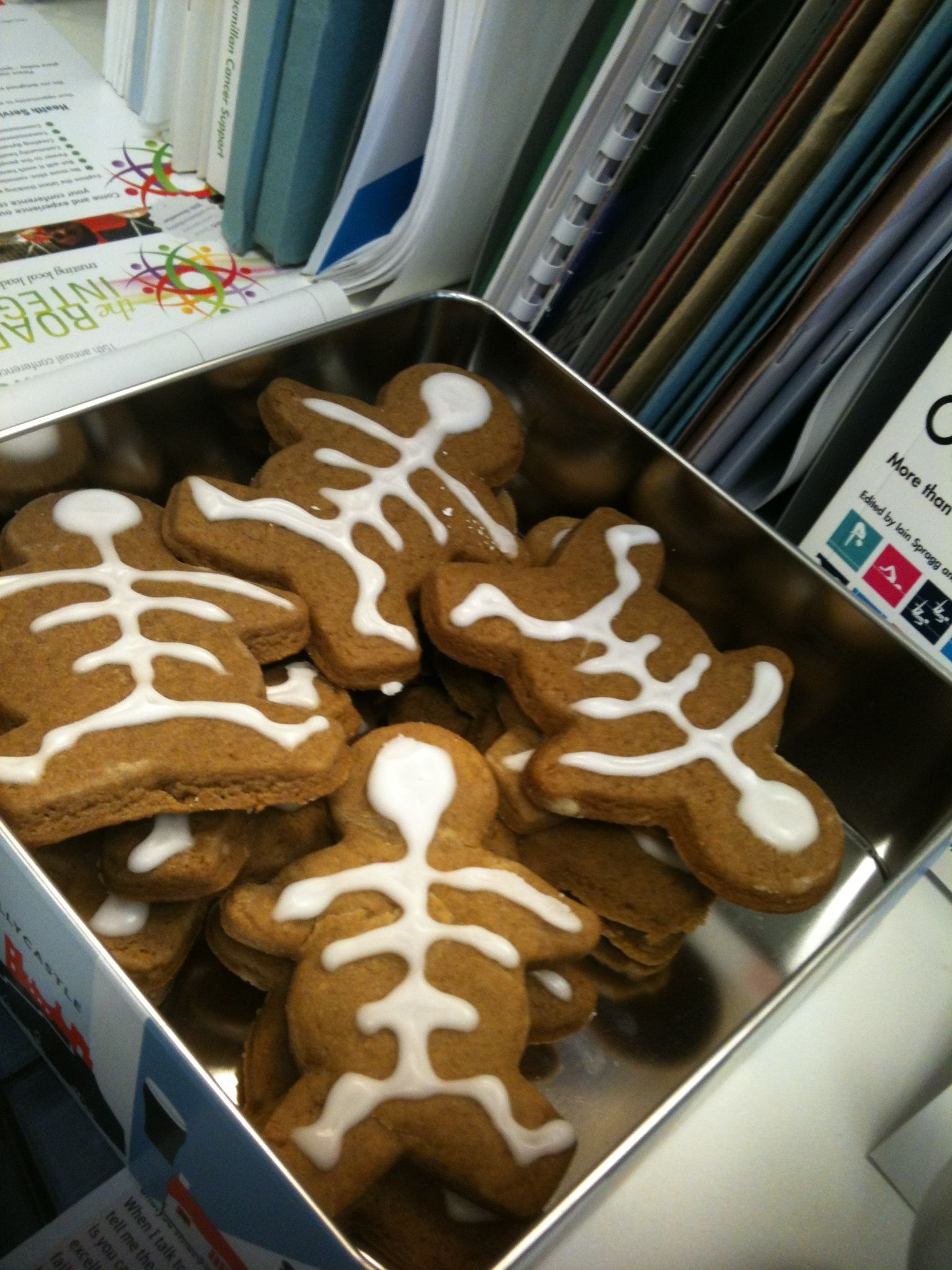 Gingerbreadskeletonmen