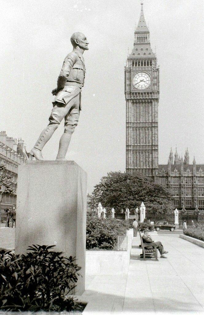 Jan Smuts statue, Parliament Square, London, c 1 August 1957