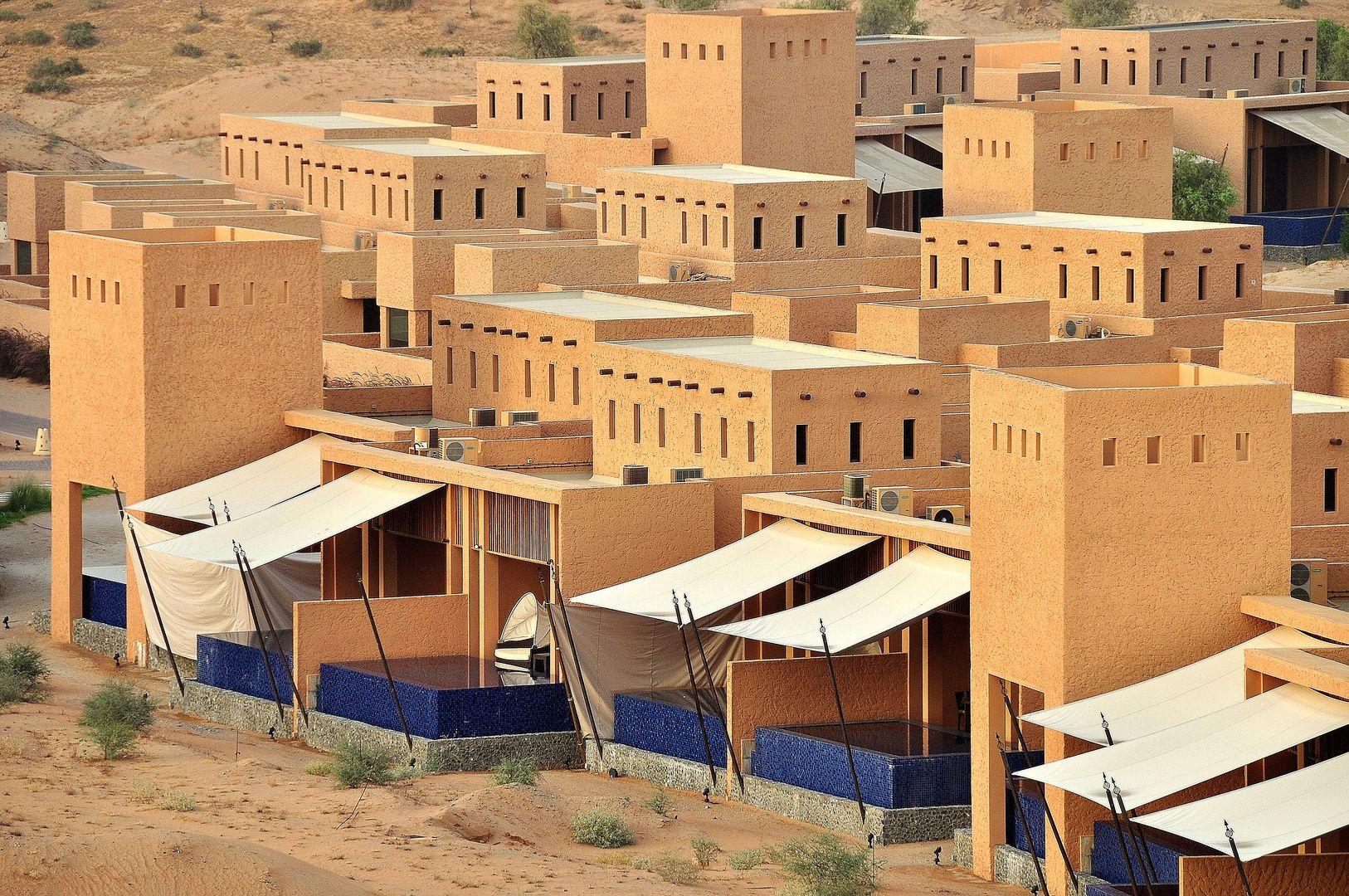 Banyan Tree Al Wadi Al Rimal Deluxe Pool Villa Complex E4640758 Fbbe 4dfd B797 F736bfe51411 Jpg 1626 1080 Islamic Architecture House Styles Architecture