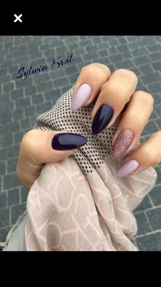 65 Christmas Nail Colors Xmas Nails For New Years | Pinterest | Xmas ...