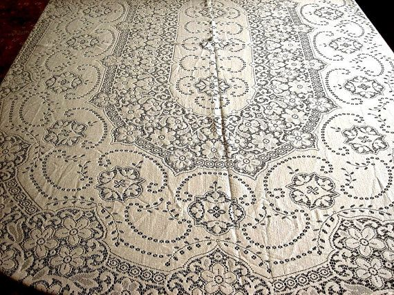 Lovely Quaker Lace Tablecloth Vintage Oval COTTON Needle Lace FLOWERS Cream Ivory  Necklaces