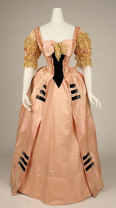 Ballgown by Jacques Doucet, 1897 France, the Met Museum