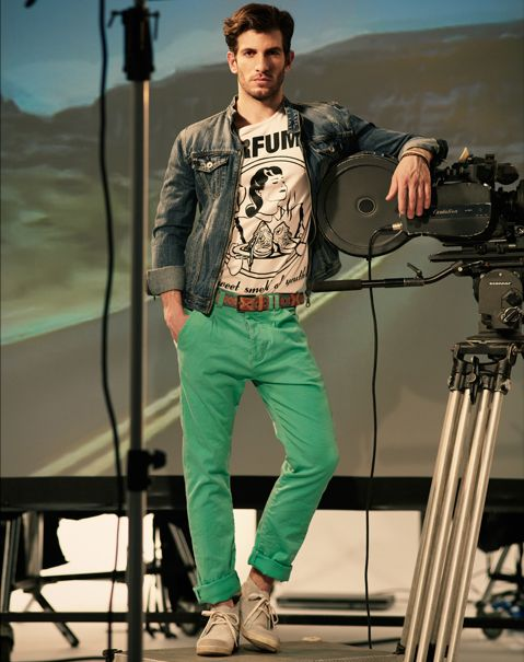 Casual look with light green pants | Clothing | Pinterest | Pants ...